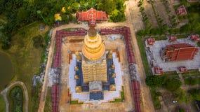vista scenica il più alta pagoda dorata in Tailandia Immagini Stock