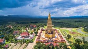 vista scenica il più alta pagoda dorata in Tailandia Fotografia Stock Libera da Diritti