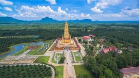 vista scenica il più alta pagoda dorata in Tailandia Immagini Stock Libere da Diritti