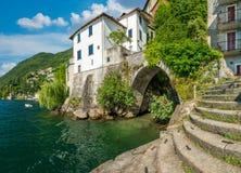 Vista scenica in Nesso, sul lago Como, la Lombardia, Italia immagini stock libere da diritti