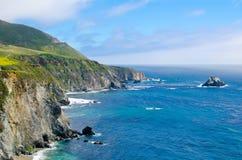 Vista scenica sull'itinerario 1 dello stato di California immagine stock