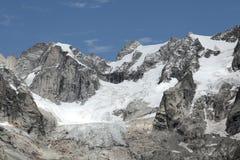 Vista scenica sulle alpi italiane Immagine Stock