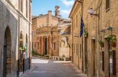 Vista scenica a Urbino, città ed il sito del patrimonio mondiale nella regione della Marche di Italia Immagine Stock
