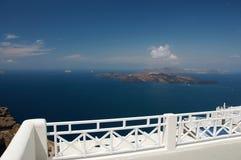 Vista sobre a ilhota vulcânica fotos de stock royalty free
