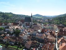 Vista sobre o ½ Krumlov - Krumau de ÄŒeskÃ, República Checa foto de stock royalty free