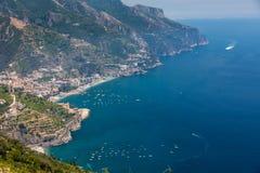 Vista sobre o golfo de Salerno de Ravello, Campania, Itália imagem de stock royalty free