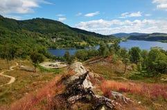 Vista sobre o Loch Achray, Scotland fotografia de stock