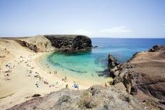 Vista sobre o louro pequeno na praia de Papagayo Imagem de Stock Royalty Free