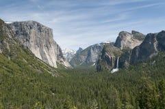 Vista sobre o parque rochoso verde de yosemite Imagens de Stock
