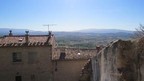 Vista sobre o vale de Luberon de Gordes o Luberon França Foto de Stock Royalty Free