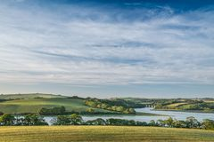 Vista sobre o viaduto de Notter, rio Lynher, Cornualha sul fotografia de stock