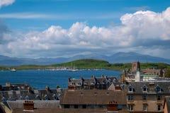 Vista sobre Oban, Escócia imagem de stock royalty free