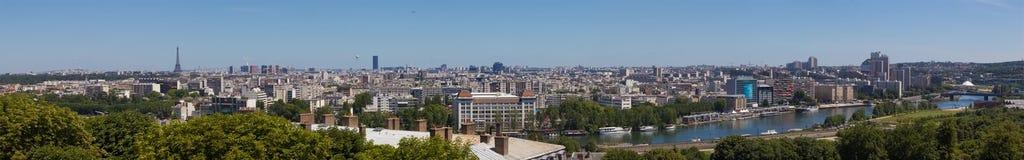 Vista sobre os telhados de Paris fotos de stock
