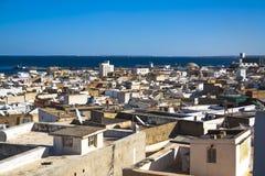 Vista sobre os telhados em uma cidade pequena Fotografia de Stock