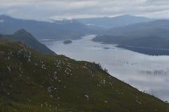 Vista sobre um lago Imagens de Stock Royalty Free