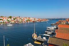 Vista sobre uma vila da costa Fotos de Stock Royalty Free