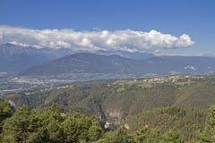 Vista sobre Val di Non imagem de stock royalty free