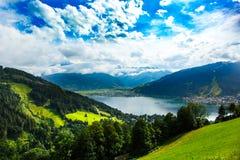 A vista sobre Zeller considera o lago Zell Am vê, Áustria, Europa foto de stock royalty free