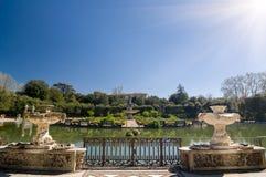 Vista soleggiata della fontana dell'isola, giardini di Boboli, Firenze Fotografia Stock