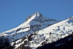 Vista soleggiata di alte alpi austriache di Tauern nell'inverno Fotografia Stock Libera da Diritti