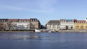 Vista sopra i laghi a Copenhaghen, Danimarca archivi video