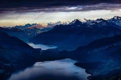 Vista sopra il lago di Thun Immagini Stock
