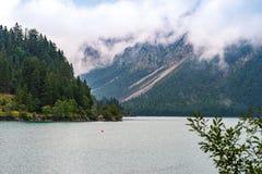 Vista sopra il lago plan vicino a Reutte immagine stock