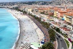 Vista sopra il mercato di Cours e del Mediterraneo Saleya, Nizza Immagini Stock