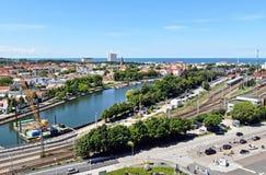 Vista sopra il nde del ¼ di Warnemà della città nello stato Meclemburgo-Pomerania, Germania fotografia stock libera da diritti