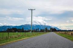 Vista sopra il supporto Hutt dal villaggio di Methven, Canterbury, isola del sud, Nuova Zelanda fotografia stock