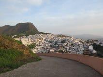 Vista sopra il villaggio bianco di Alora Immagini Stock
