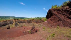 Vista sopra il vulcano estinto di Racos nella contea Romania di Brasov immagini stock libere da diritti