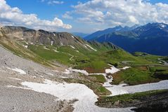Vista sopra l'alta strada alpina di Grossglockner in Austria Immagine Stock