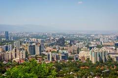 Vista sopra l'orizzonte di Almaty Immagine Stock Libera da Diritti