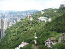 Vista sopra la città e la montagna dal picco di Victoria, Hong Kong fotografia stock libera da diritti