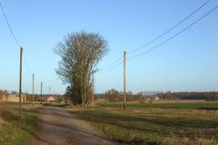 Vista sopra la via e campi in Meclemburgo-Pomerania rurale Fotografia Stock Libera da Diritti