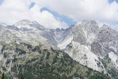 Vista sopra le alpi albanesi dal passaggio di Valbona Immagini Stock Libere da Diritti
