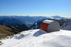Vista sopra le alpi da una ritirata della montagna Fotografia Stock Libera da Diritti