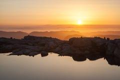 Vista sopra le montagne di Kjerag, Norvegia Fotografie Stock