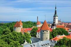 Vista sopra le pareti di Tallinn, Estonia Fotografie Stock