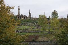 Vista sopra le pietre tombali di Glasgow Necropolis fotografie stock