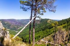 Vista sopra le valli di Serra da Estrela fotografia stock