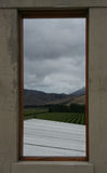 Vista sopra le vigne dalla cantina Fotografia Stock