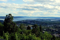 Vista sopra Oslo da Holmenkollen Fotografia Stock Libera da Diritti