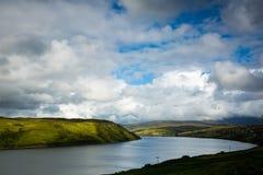 Vista sopra un groppo della tempesta in Scozia del Nord Fotografia Stock