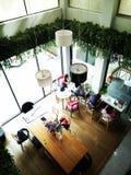 Vista sopraelevata dell'interno del ristorante Fotografie Stock Libere da Diritti