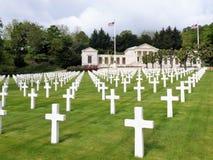 Vista sotto il cimitero americano ed il memoriale di Suresnes, Francia, Europa immagini stock libere da diritti