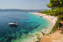 Vista splendida su capo dorato sull'isola di Brac, Croazia immagine stock libera da diritti
