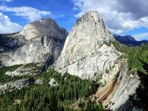 Vista strabiliante della sierra Nevada Mountains con Nevada Falls Fotografia Stock Libera da Diritti
