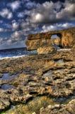 Vista Stunning della finestra azzurrata in Gozo fotografia stock libera da diritti